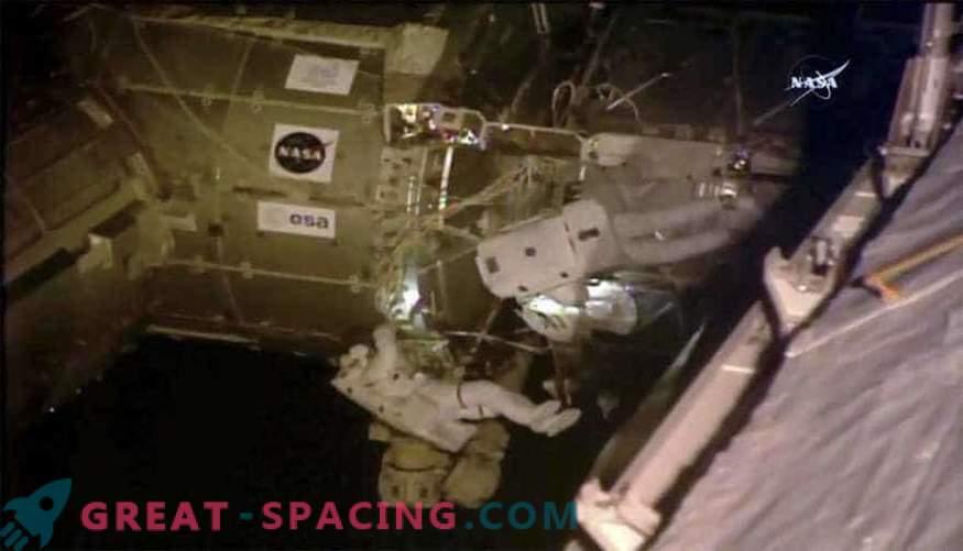 Astronauterna utförde en rymdgång