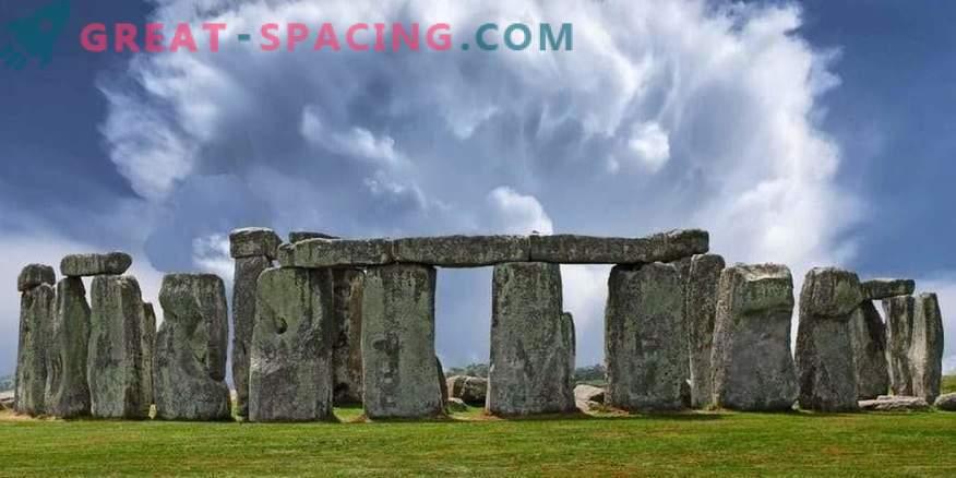 Händelsen vid Stonehenge - 1971. 5 turister försvann under åskväder