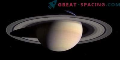 Saturni rõngastes ja kuudes olev vesi meenutab maad