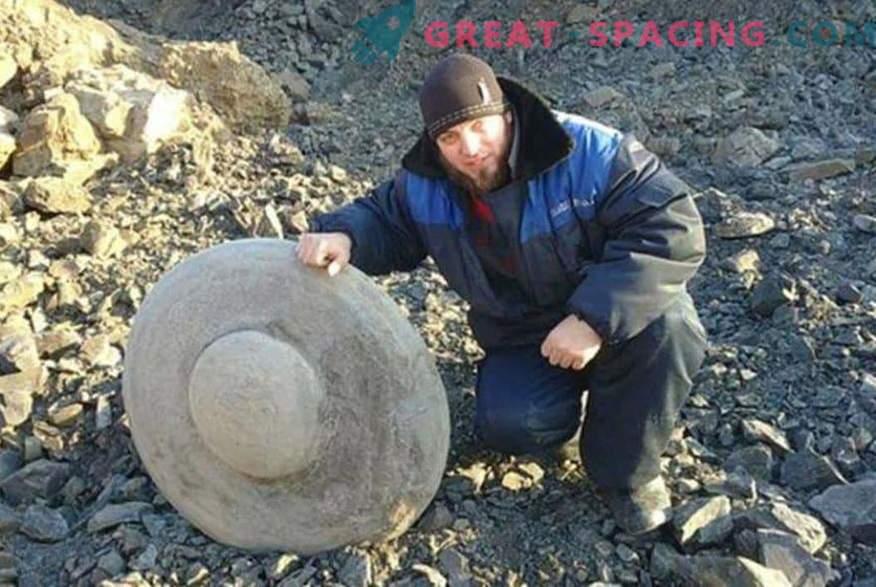 Stenskivor i form av flygande tallrikar. Ufologer och forskare argumenterar om ursprunget för funna i regionen Volgograd