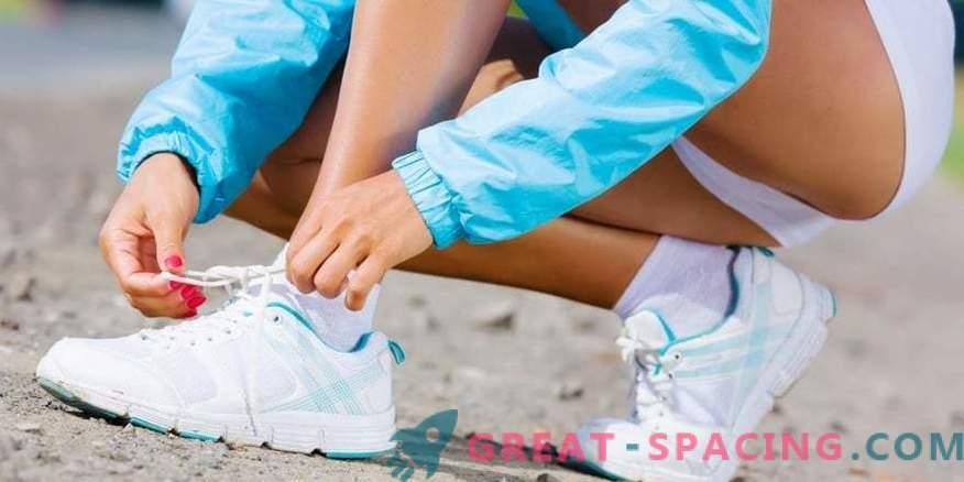 Hur man knyter skosnören på sneakers?