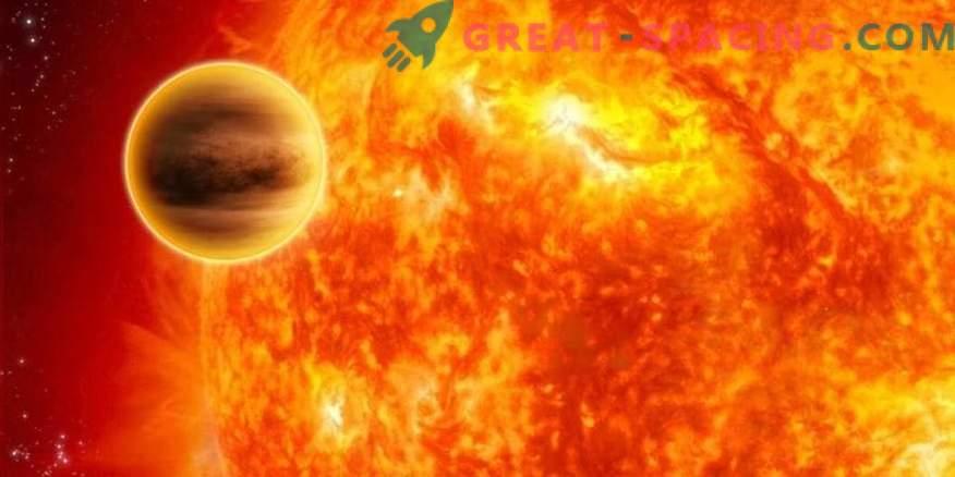 Resterna av planeten är utspridda nära Death Star