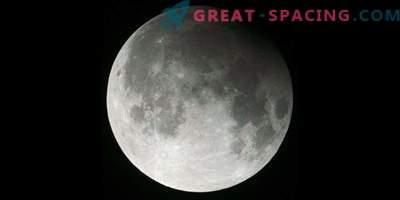 En komet, en månförmörkelse och en